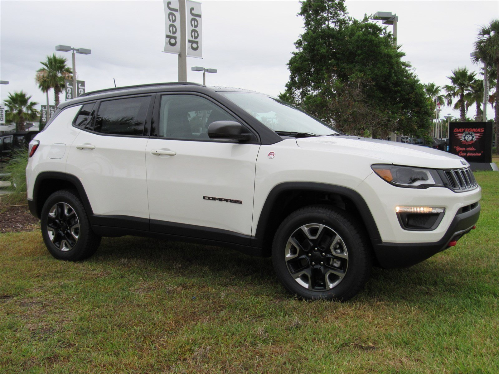new 2017 jeep compass trailhawk sport utility in daytona beach j17576 daytona dodge chrysler. Black Bedroom Furniture Sets. Home Design Ideas