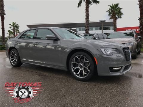 NEW 2018 CHRYSLER 300S