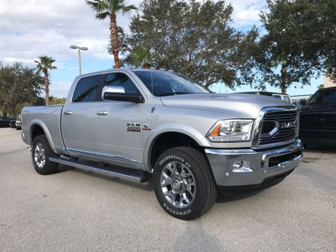 NEW 2018 RAM 3500 LIMITED CREW CAB 4X4 6'4 BOX