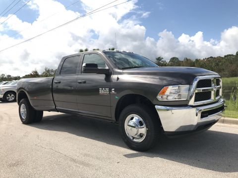 NEW 2018 RAM 3500 TRADESMAN CREW CAB 4X2 8' BOX