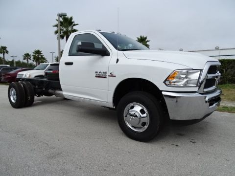 NEW 2018 RAM 3500 TRADESMAN CHASSIS REGULAR CAB 4X2 167.5 WB